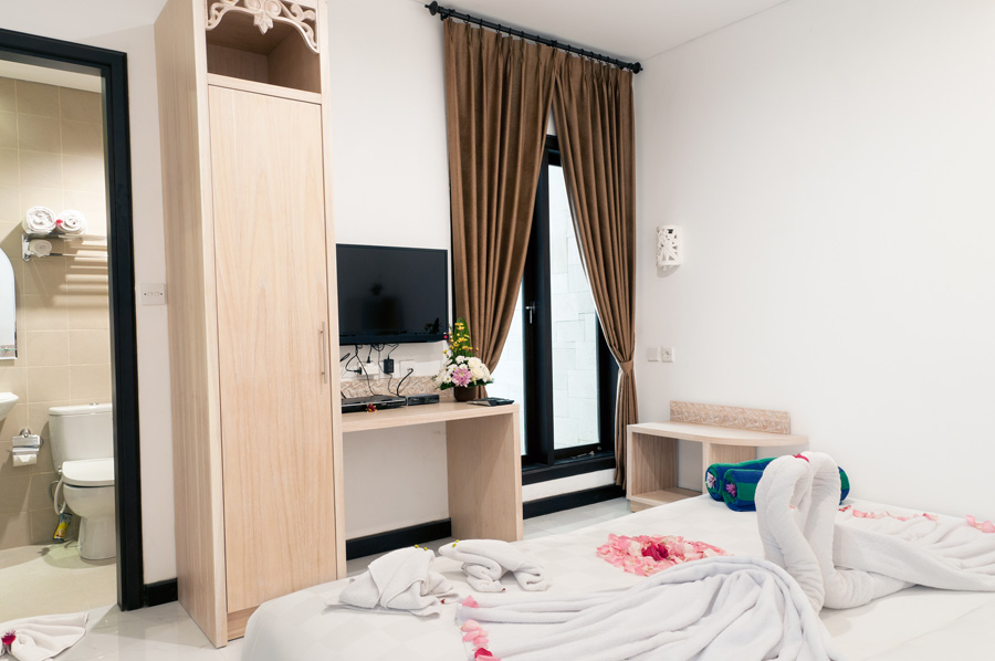 Family Suite - Main Bedroom (King Size Double/Twin Bed)