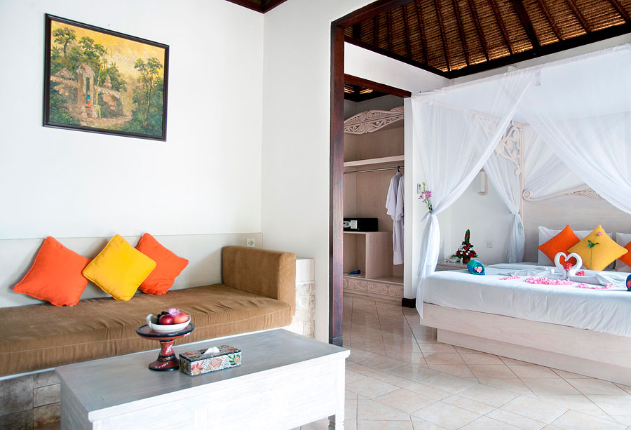Dedari Villa lounge and bedroom view