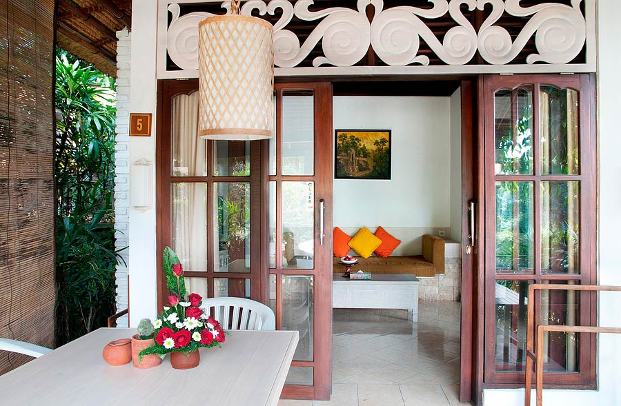 Dedari Villa verandah setting and lounge view