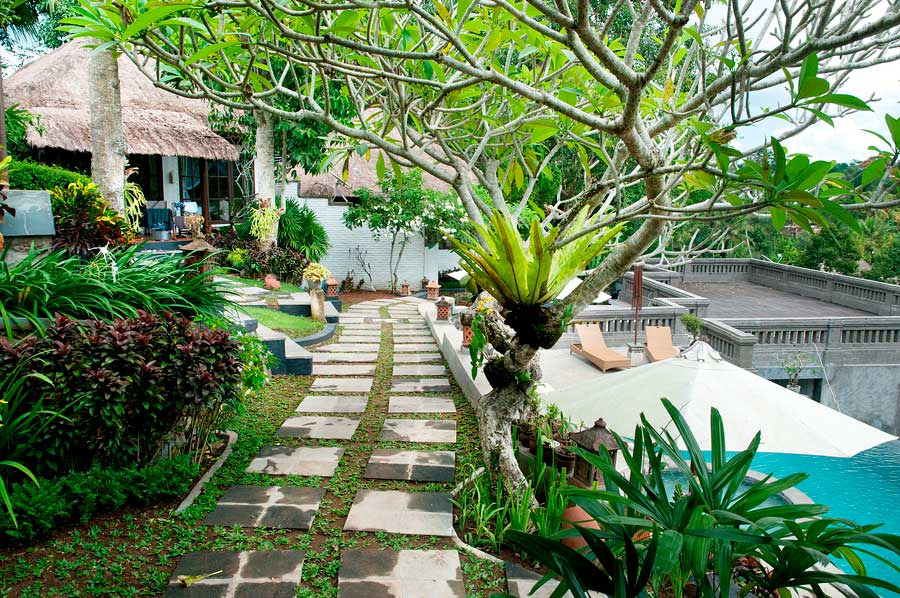 Poolside villas